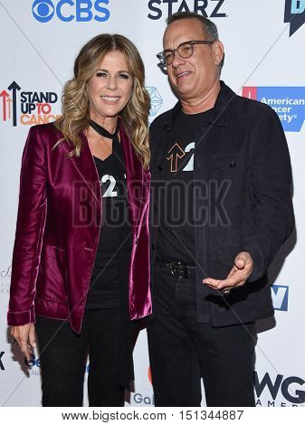 LOS ANGELES - SEP 09:  Tom Hanks and Rita Wilson arrives to the Stand Up To Cancer 2016 on September 09, 2016 in Hollywood, CA