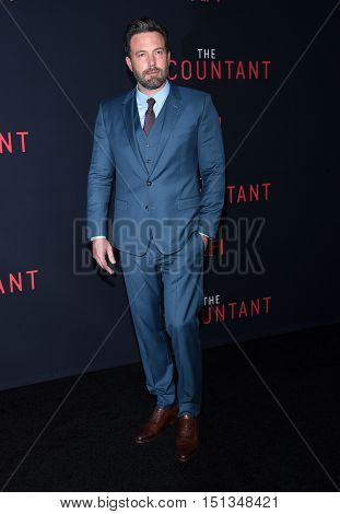 LOS ANGELES - OCT 10:  Ben Affleck arrives to