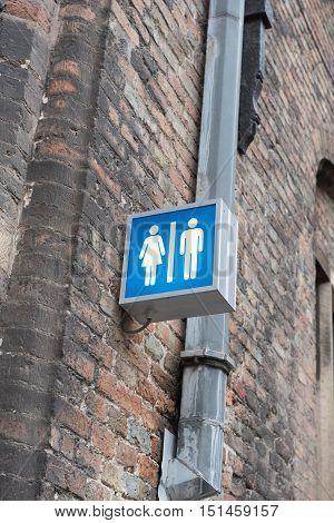 entrance sign for a public toilette in Brugge