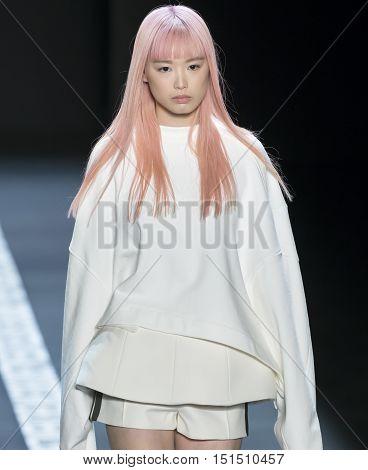 Vera Wang - Spring 2017 Collection