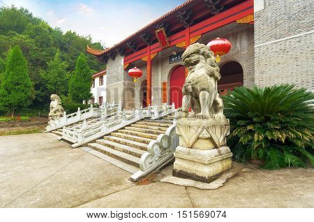 Ancient Chinese architecture Ancient Buddhist temples and lions