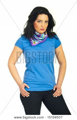 Attraktive Frau In leer T-shirt