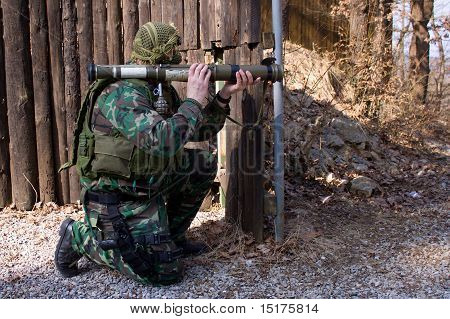 terrorist pointing rpg-75