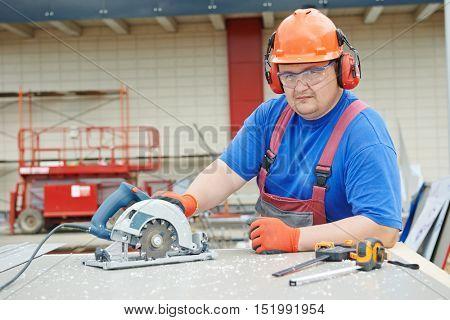 Worker builder cutting material