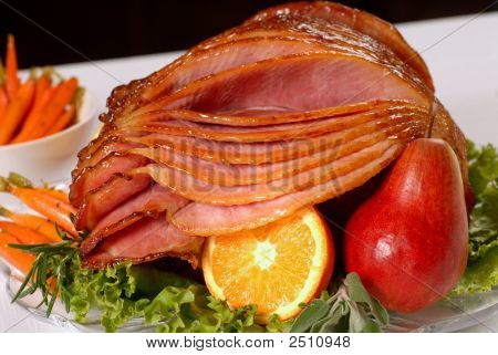 Honey Glazed Easter Ham With Fruit And Carrots