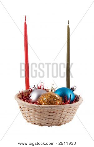 Basket With Fur-Tree Spheres And Two Candles
