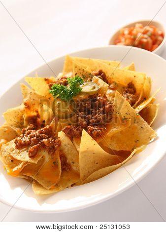 Nachoes mexicano delicioso aperitivo