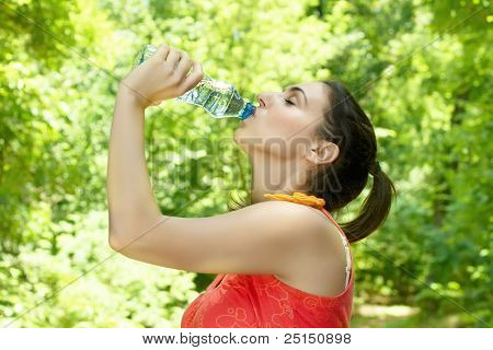 fitness woman refreshing