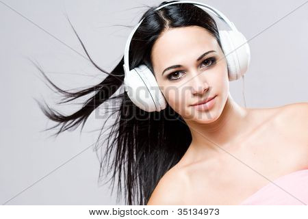 Gorgeous Brunette Music Lover.