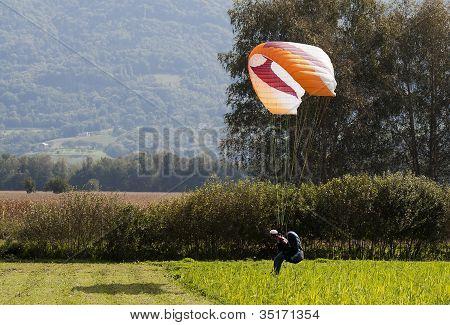 Para glider Landing