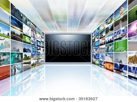 Uma televisão de tela plana