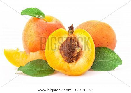 Apricot fruits and slices