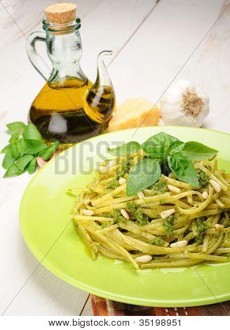 Linguine Al Pesto
