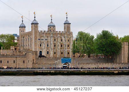 Sua Majestade a torre de Londres