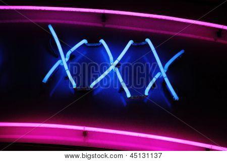 Letrero de neón XXX