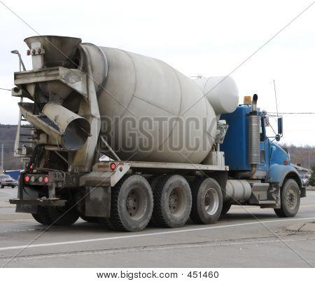 Zement-LKW
