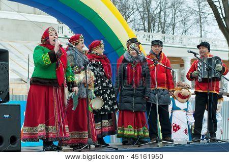 Folk Collective Singing