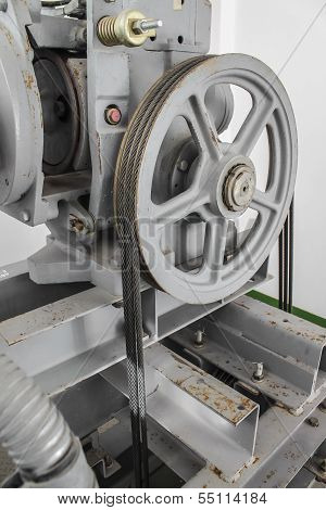 Pulley With Machine