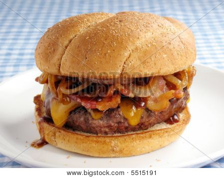 Messy Bacon Cheeseburger