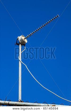 Television Antenna Toward