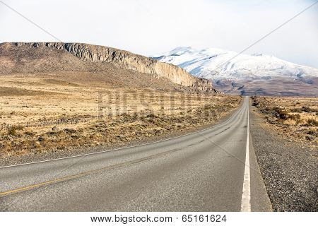Empty road on the way to Perito Moreno National Park