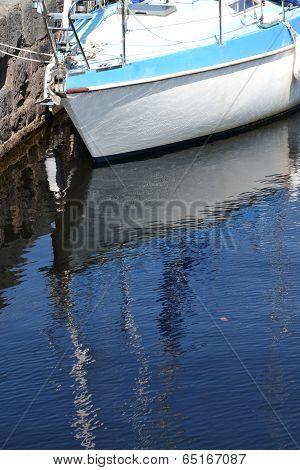 Boat in theNeptune's Staircase