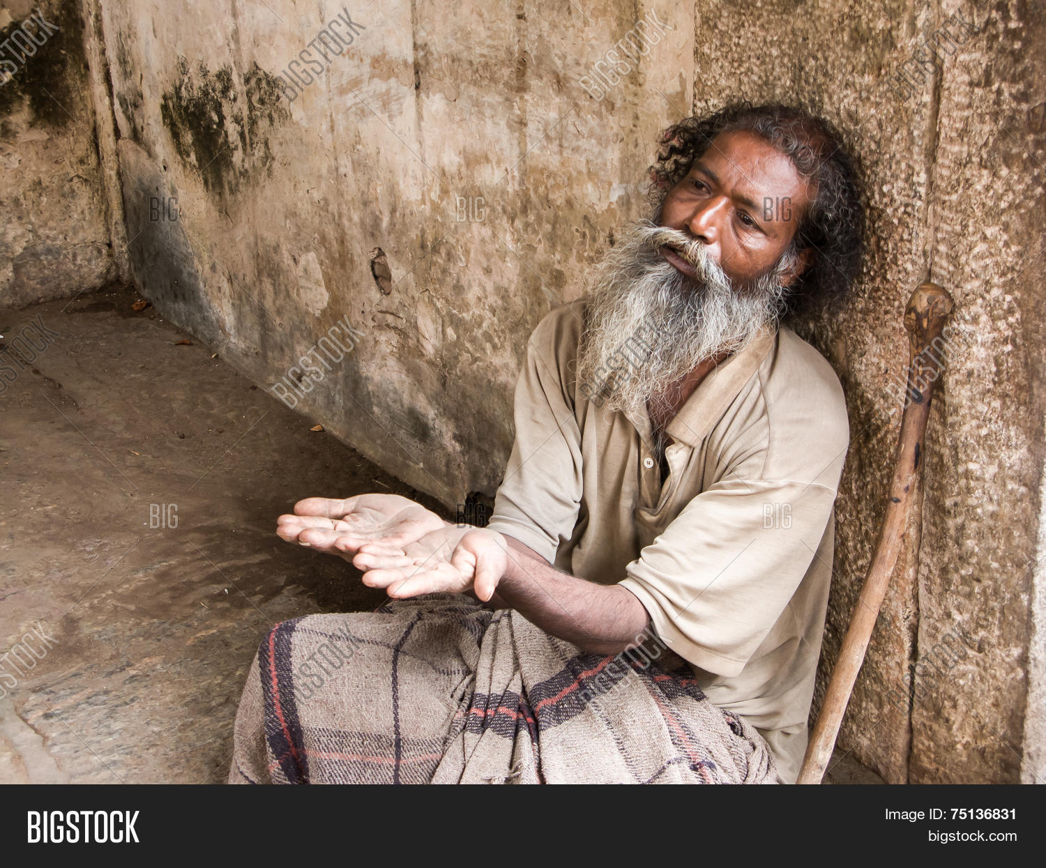man begging Old
