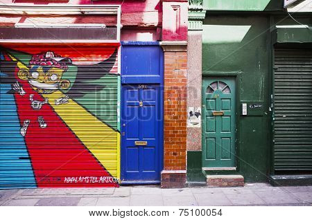 LONDON, UK - APRIL 18, 2014: Graffiti on Fashion Street, Spitalfields / Whitechapel.