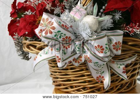 Christmas Basket Detail