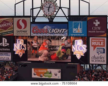 Philadelphia Phillies Phanatic Vs. San Francisco Giants Lou Seal Mascot Fight In Wrestling Match On