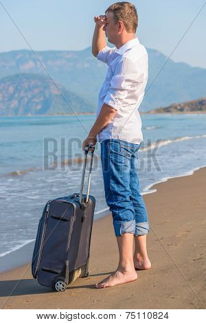Lost On A Desert Island Tourist Looks For Ship