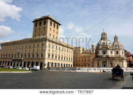 Venezia Square