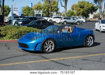 Tesla Roadster At The Supercar Sunday Electric Vehicles