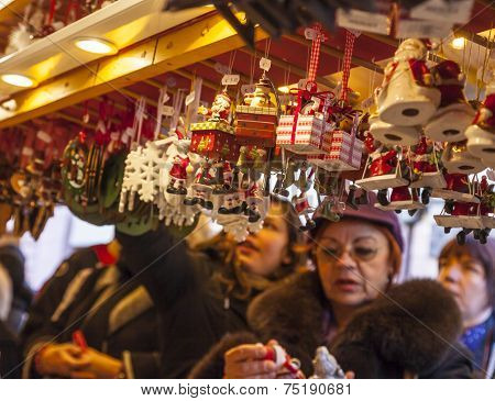 Buying Christmas Souvenirs