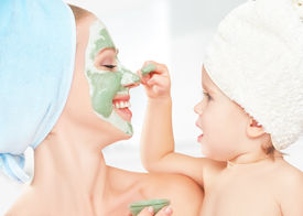 picture of face mask  - family beauty treatment in the bathroom - JPG