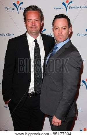 LOS ANGELES - MAR 9:  Matthew Perry, Thomas Lennon at the 2015 Silver Circle Gala at the Beverly Wilshire Hotel on March 9, 2015 in Beverly Hills, CA