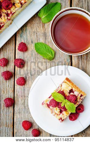 Cake With Raspberries And Cream Cheese