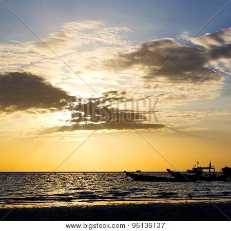 Asia In The  Kho Tao Bay Isle Sunset