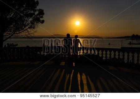 Lovers under Sunset