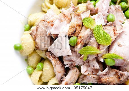 Chicken Thighs With Pea Pesto Pasta