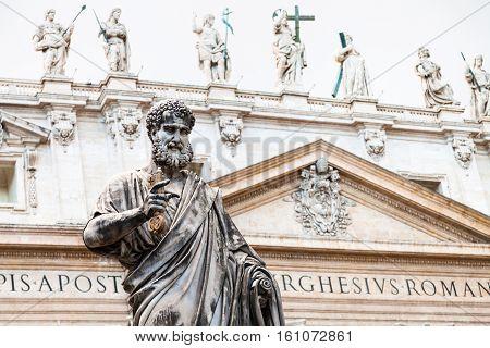 Sculpture Saint Peter And St Peter Basilica