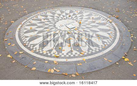 Monumento a John Lennon, Central Park, Nueva York, Estados Unidos