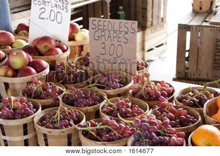 Reg Grapes At Public Market