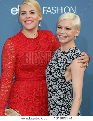 LOS ANGELES - DEC 11:  Busy Philipps, Michelle Williams at the 22nd Annual Critics' Choice Awards at Barker Hanger on December 11, 2016 in Santa Monica, CA