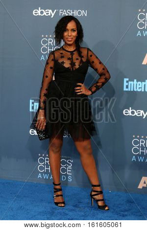 LOS ANGELES - DEC 11:  Kerry Washington at the 22nd Annual Critics' Choice Awards at Barker Hanger on December 11, 2016 in Santa Monica, CA