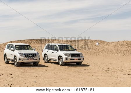 Oman Salalah 17.10.2016 Jeep traditional Safari Dune Bashing Oman Ubar Desert Rub al Khali Local arab people during Tour dhofar Sultanate 2