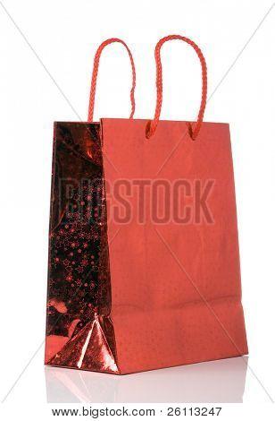 saco de papel vermelho isolado sobre fundo branco