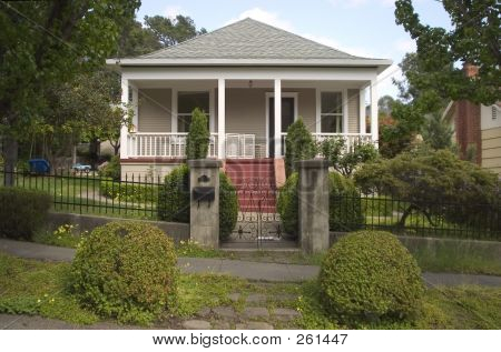 Cute Craftsman Home 1