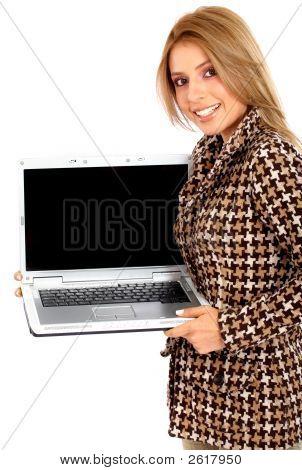 Mujer de negocios con ordenador portátil
