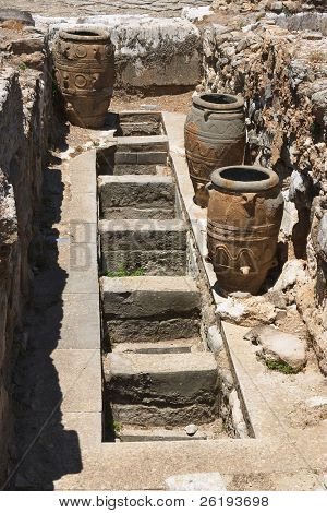 Storage pits at Knossos